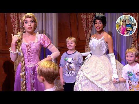 Meeting Princess Rapunzel And Princess Tiana At Disney's Princess Fairytale Hall - Sony RX100 Vii