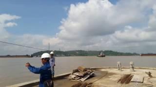 Proses undocking barge RMN357 Pt dok Pendingin (KSA)