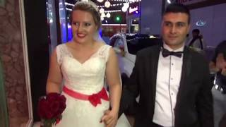 Polonyalı Gelinin Düğününde Dolarlar Havada Uçuştu