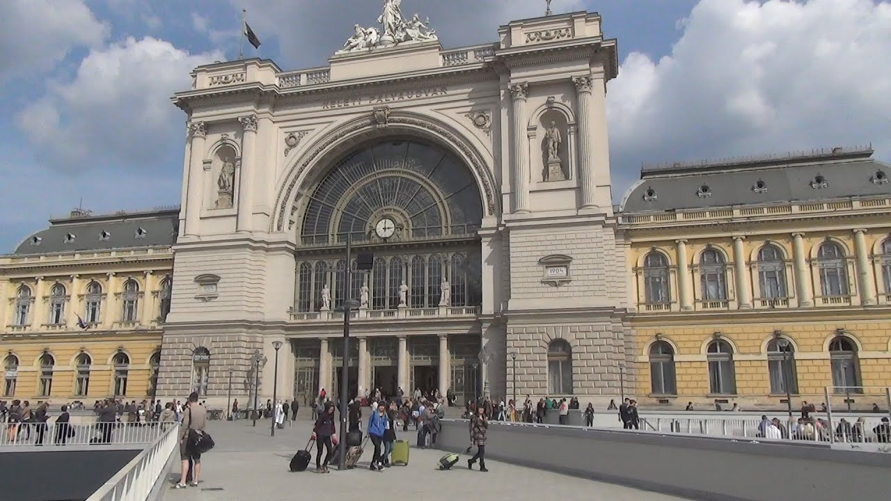 keleti p lyaudvar budapest keleti railway station youtube. Black Bedroom Furniture Sets. Home Design Ideas