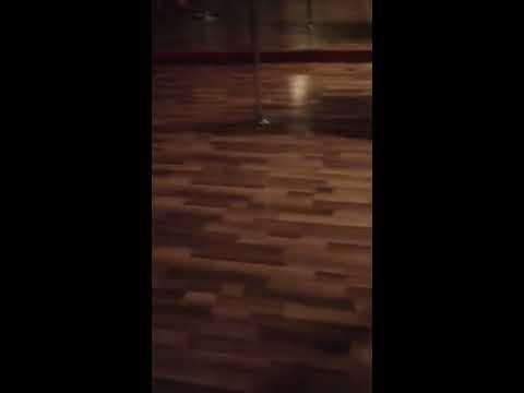 Grab the wall twerk choreography