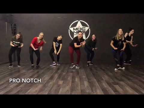 DEMARCO FT. AKON & RUNTOWN - NO WAHALA | RISLING TEAM | DANCEHALL STEPS BY XQLUSIV DANCERS