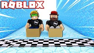 RACING 100.000.000 FEET IN A WOODEN BOX!!! / MINIGIOCHI EPIC ROBLOX