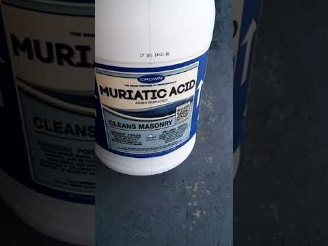 How to clean your driveway with muriatic acid