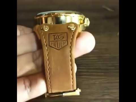 920fe8f14a6 Tag Heuer John Walker Fundo Dourado e Pulseira de Couro. Brasil Relógios  Importados