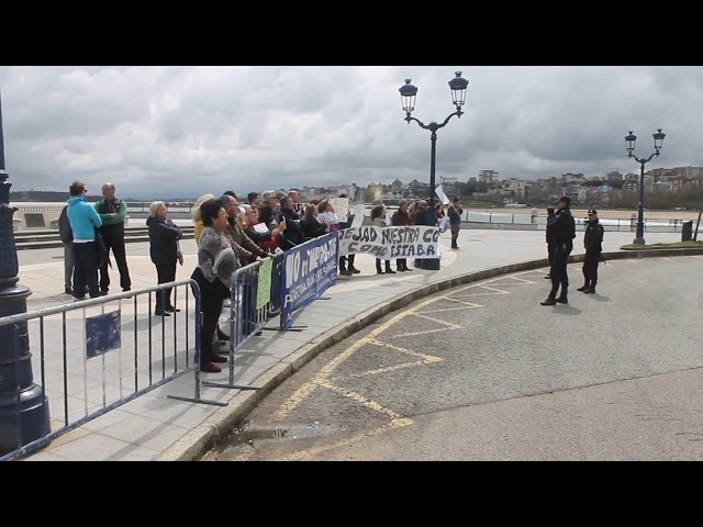 Manifestación contra el ministro Íñigo de la Serna en Santander