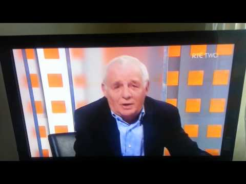 Eamon Dunphy Apologies on air for swearing!