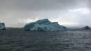 アイスランド ヴァトナヨークトル氷河