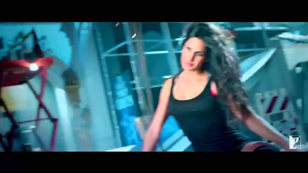 Sexy Katrina Song From Dhoom 3 Slow Mode - Youtube-9146