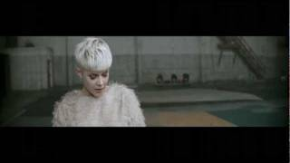 Robyn - Call Your Girlfriend