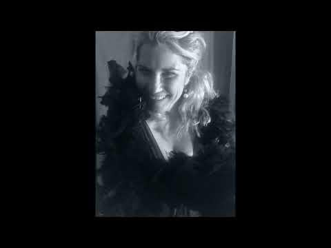 Sur les quais du vieux Paris interprété par Veronica Antonelli