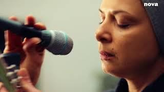 Melanie De Biasio - Gold Junkies | Live Plus Près De Toi