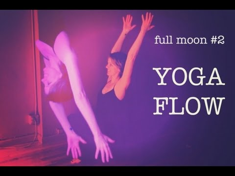 20 min Yoga Flow For Peace & Quiet | Moon Salutation 2 | the Sunday Sessions