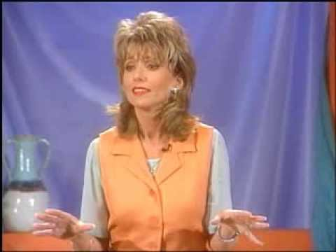 Beth moore to live is christ youtube beth moore to live is christ voltagebd Image collections