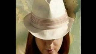 "Gloria Estefan ""A Bailar"" from ""90 Millas"""