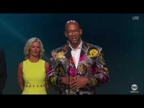 Monty Williams receives the first Sager Strong Award at the 2017 NBA Awards | NBA on TNT