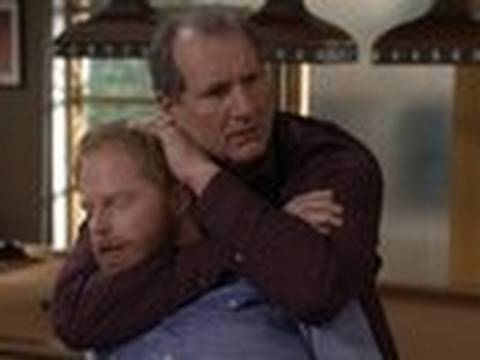 Sleeper Hold Sneak 3-31 - Modern Family