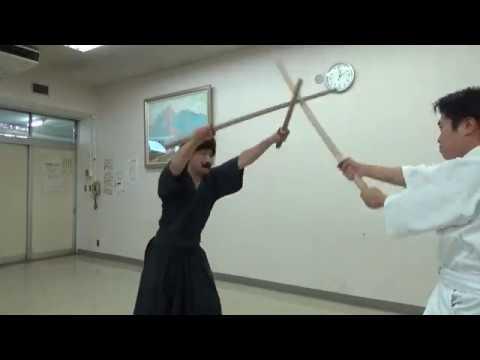 "【ENG SUB】Let's enjoy kenjyutsu ""NITOU(a sword in each hand) basic trainning MANJI"""
