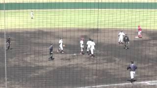 MHPS横浜・大野享輔投手(専修大)の顔面を打球が直撃する。 打者・...