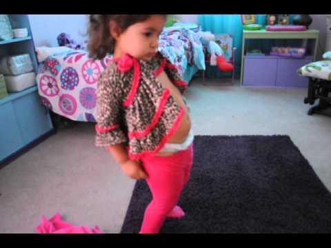 Nina 2 anos vistiendose sola youtube - Habitacion nina 2 anos ...