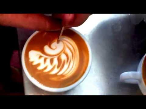 Как делают рисунки на кофе видео