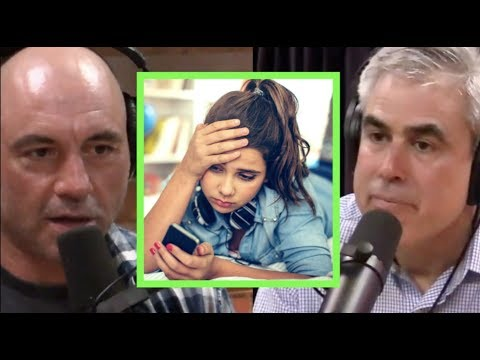 Joe Rogan & Jonathan Haidt - Social Media is Giving Kids Anxiety