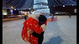 Kissing Prank. ДЕД МОРОЗ ЗАСАСЫВАЕТ НАГЛО ДЕВУШЕК