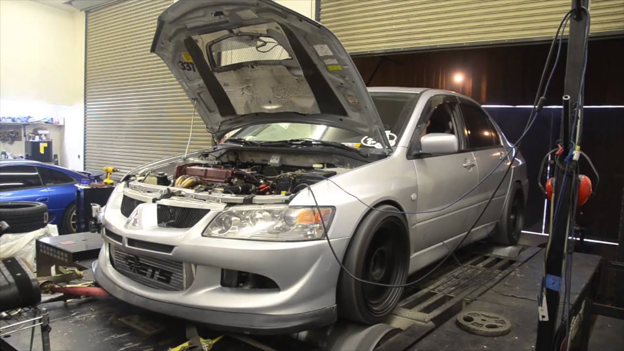 "Mitsubishi Evo 9 >> ""The Gargoyle"" - 821hp Evo 8 - English Racing - YouTube"