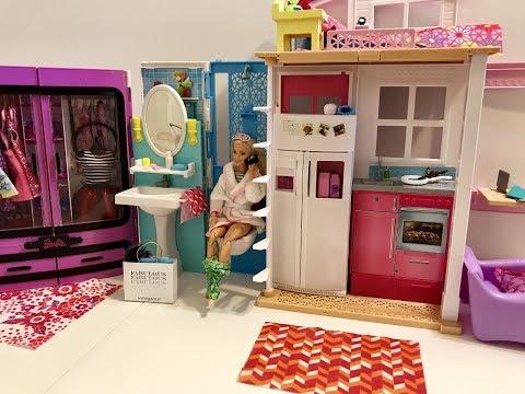 Barbie Bedroom Morning Routine! Bath! Toilet! Tacos