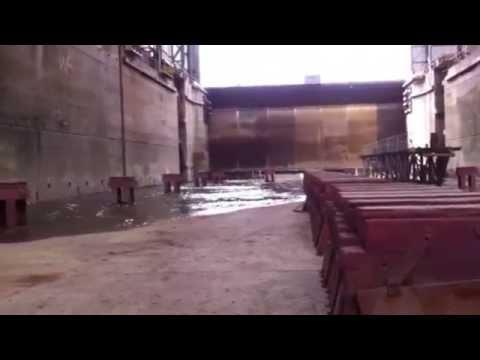 """""""ik zeg... 'Vol open'.... """" - in het dok bij Damen Shiprepair Rotterdam"""