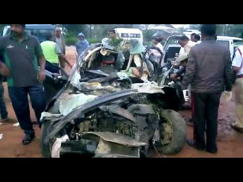 Deadly Road Accident in Bangalore-Mysore Highway : 4 medical students Killed