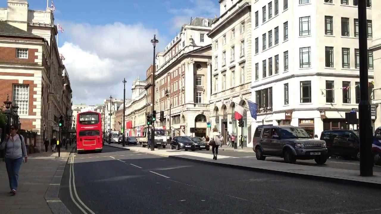 London Street Scene In Slow Motion