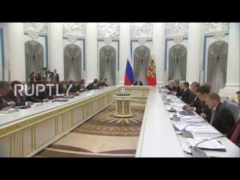 Russia: Putin discusses non-oil exports with economic development council