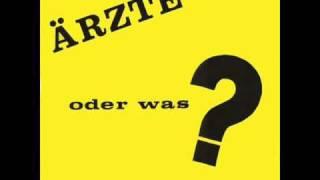 Die Ärzte - Sie Kratzt, Sie Stinkt, Sie Klebt (Live '84)