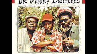 Pass The Kutchie Instrumental (Mighty Diamonds)