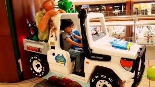 Kids Toys: The Crocodile Hunter Land Cruiser