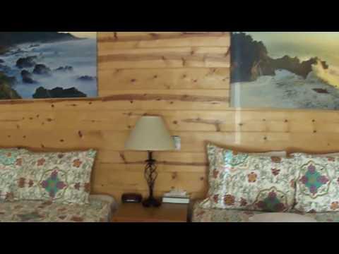 Big Sur River Inn, Two queens bed. Big Sur Ca
