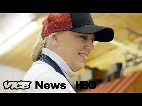Repopulating Cape Breton: VICE News Tonight on HBO (Full Segment)