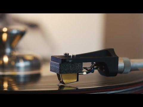 Fleetwood Mac - The Chain (45rpm vinyl: Thomas Schick Das MM, Graham Slee Accession, Kenwood KD7010)