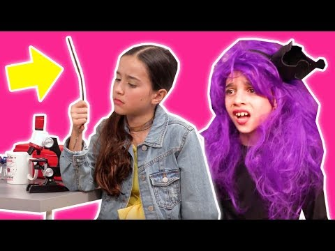 Magic Wand Swap GOES WRONG! Malice Has Lilliana's Screwdriver - Princesses In Real Life | Kiddyzuzaa