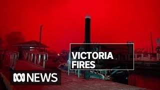 Military deployed to help bushfire-hit Victorians as four people remain missing | ABC News