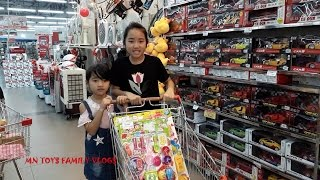Đi siêu thị mua đồ chơi nấu ăn - hoa quả cùng Hồng Anh