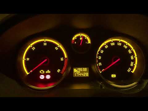 Testigo ABS tarda mucho en apagarse en Opel Corsa D