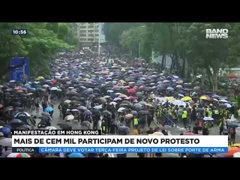 Mais de 100 mil participam de novo protesto