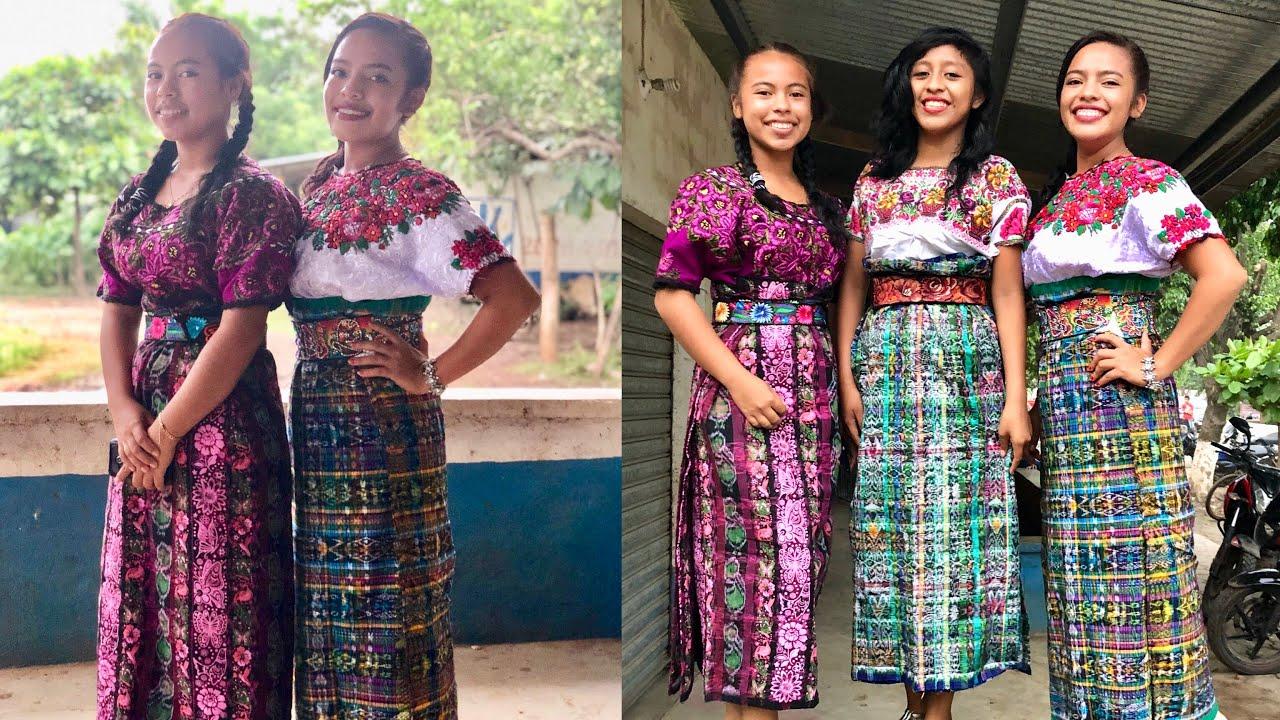 Chicas Bonitas De Xela: Las Mujeres Visten Trajes Típicos De Guatemala (saludos