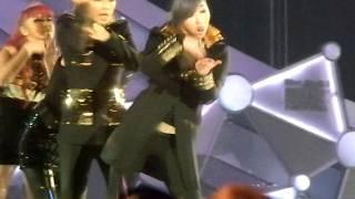 2NE1 - I AM THE BEST @ MAMA Singapore (29/11/2011)