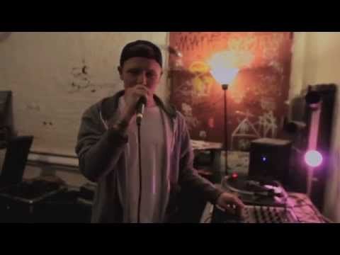 Ivan Ave - Freestyle Live at Newtown Radio