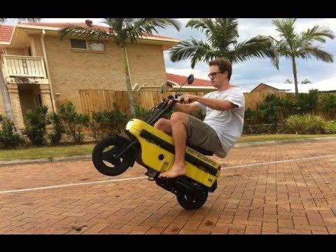 Honda Motocompo 1981 - The Smallest Honda Scooter Ever Made - YouTube