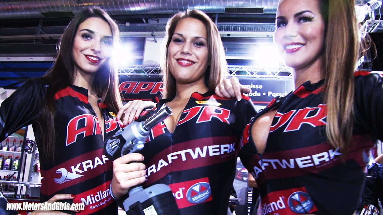 Girls Pit Stop, change wheel at a race car - KRAFTWERK tools - YouTube