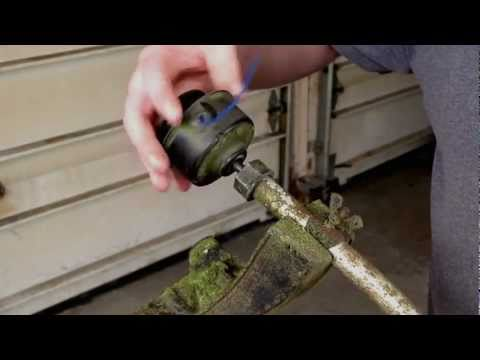 Fixing Trimmer Head Seizure On A Weed Eater FeatherLite